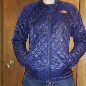 The North Face Puffer Jacket lightweight Size S/P